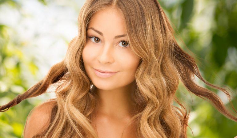 Pehmentävät aineet, humektantit ja proteiinit – mikä on hiuksille hyväksi